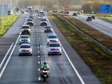Meerijden in de file tijdens politie-staking op de A1