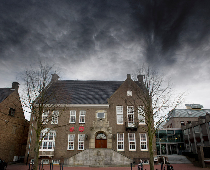 Gemeentehuis Haaksbergen gezien vanaf de markt.