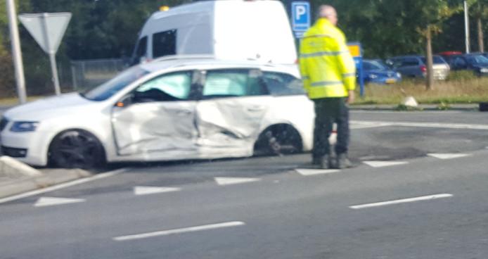 Het andere voertuig met schade op de kruising.Foto: Danny Hollering