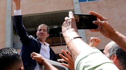 Guaido keert terug naar Venezuela en riskeert arrestatie
