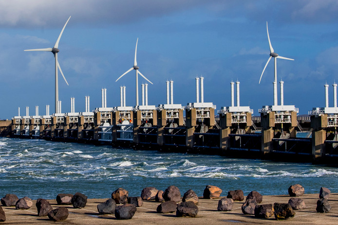 De Oosterscheldekering is een van de grootste onderdelen van de Deltawerken. Archieffoto Robin Utrecht