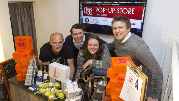 Vanaf links Ewald Visser van Brouwerij Maximus, Joram Dees (Made in 030), Anne Hardeveld en Jeroen Brouwer van Brand Store in de pop-upstore