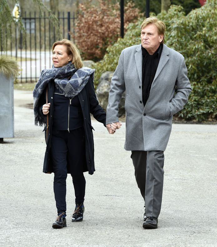 Hennie Huisman met partner