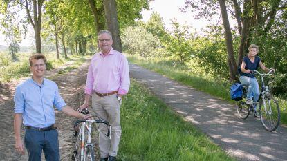 """CD&V pleit voor ingrepen aan fietssnelweg langs Clementwijk: """"Leg een apart voetpad aan naast fietswegel Sint-Niklaas-Hulst"""""""