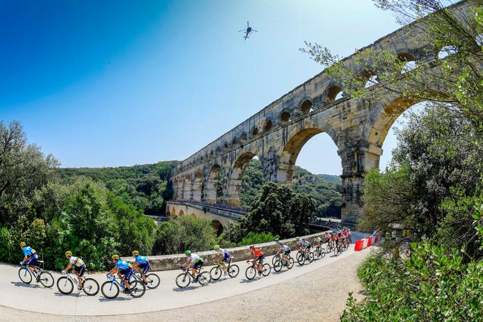 Le majestueux Pont du Gard, d'où est partie la 17e étape du Tour de France ce mercredi.