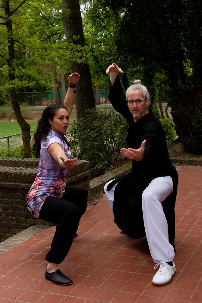 """Laura Bonthuis en Douwe Geluk gaan naar het EK in Moskou en misschien zelfs naar het WK in China, het beloofde land. ,,Iedereen die aan vechtkunst doet, zou een keer een bezoek moeten brengen aan de shaolin monnikken."""""""