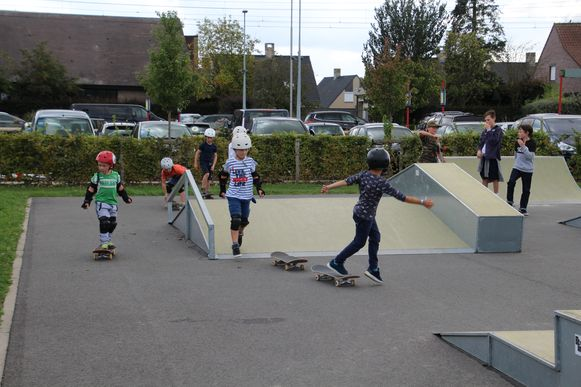 Skaters kunnen zich weer uitleven op het terrein langs de Sportlaan.