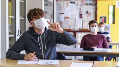 """Grootste onderwijsvakbond eist dat mondmaskers in secundair verplicht blijven: """"Leraars zijn geen marionetten"""""""