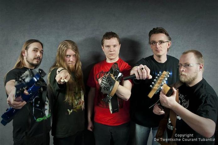De extreme deathmetalband Caedere, met leden uit Enschede, is één van de groepen op Tattoofest.