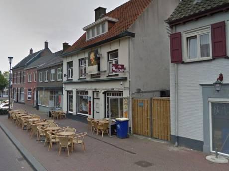 Dronken motorrijder scheert rakelings langs terrassen in Etten-Leur