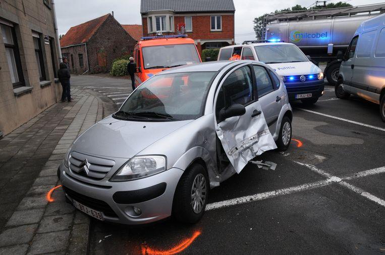 Ook de auto van Marie-Rose Van Parys heeft het zwaar te verduren gekregen.