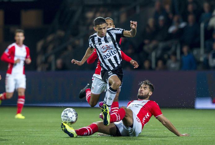 Mauro Junior is net terug uit Brazilië, de vraag is of hij op tijd uitgerust is voor het uitduel tegen Feyenoord.