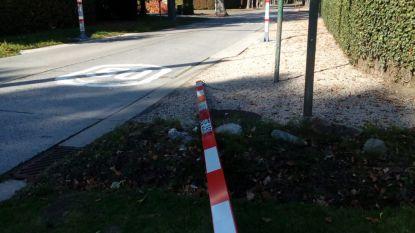 Nieuwe hoogtebegrenzer Leenstraat al omvergereden