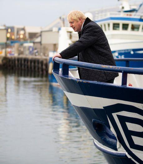 'Perplexe' Boris Johnson zit klem in het brexitmoeras