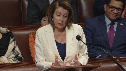 Historisch record: Nancy Pelosi (77) speecht acht uur lang op hoge hakken over 'dreamers' in het Huis