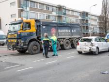 Vrouw gewond bij botsing op Jan Vermeerlaan in Roosendaal