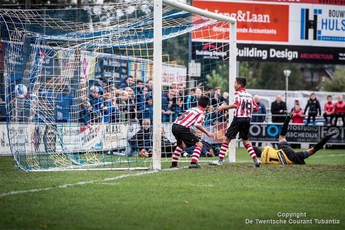 Doelpunt van Arminia Bielefeld tegen Sparta op het terrein van TVC.