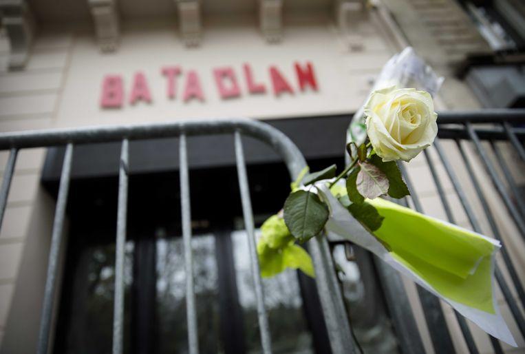 Theater Bataclan in Parijs, één van de plaatsen waar in november 2015 gewelddadige aanslagen werden gepleegd waarbij ruim honderd dodelijke slachtoffers vielen.