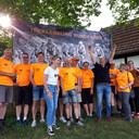 De vrijwilligers bij de Tecklenburg Rundfahrt van de Nijverdalse fietstoerclub CC '75. In zwart shirt Edwin Telgenkamp.