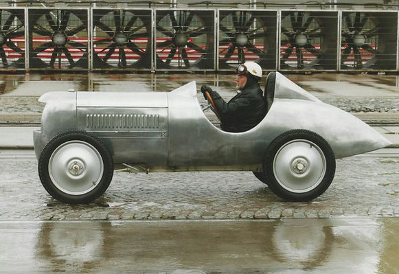 De sportwagen die eigenlijk in 1940 gebouwd had moeten worden.