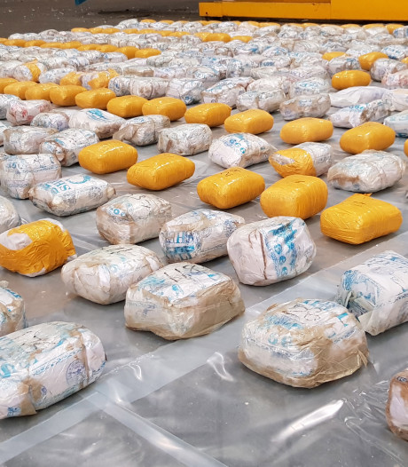 Nederlandse zakenvrouw (44) riskeert 7 jaar cel voor invoer van 1,1 ton heroïne