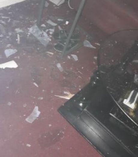 Bom ontploft bij huis Staatsliedenbuurt: 'Geterroriseerd om mijn geaardheid'