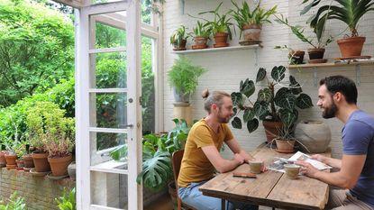 Seppe en Koen maakten een jungle van hun huis