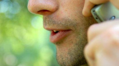 Met dit telefoonnummer zal de overheid je bellen bij contactonderzoek (en je hoeft geen angst te hebben voor verklikking)