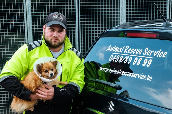 Matthieu Helleputte van vzw Animal Rescue Service staat de dieren in nood voortaan met zijn dierenambulance bij.