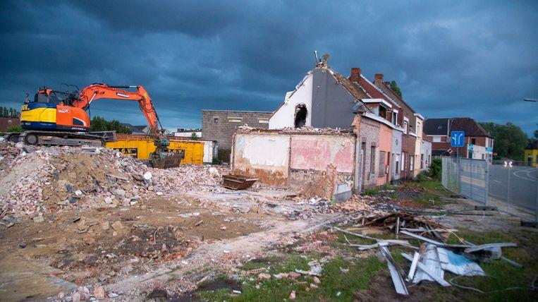 De huizen in de Neerstraat worden gesloopt in afwachting van een sociaal woonproject.