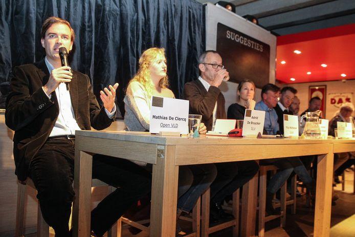 De politieke kopstukken van Gent geven het beste van zichzelf tijdens het debat.