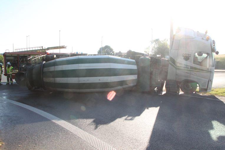 De betonmixer kantelde aan de oprit naar de E17.