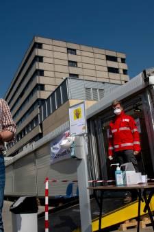 Mondkapjes bij huisartsenpraktijken regio Apeldoorn; griepprik in strakke tijdsschema's