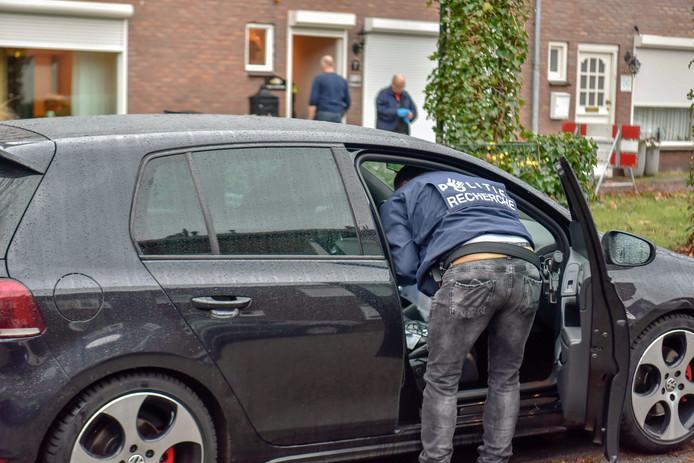 Januari vorig jaar pakte de politie een drugsbende op. Veel leden woonden in dezelfde Geldropse straat. De leider moet naar de gevangenis maar zit in Panama
