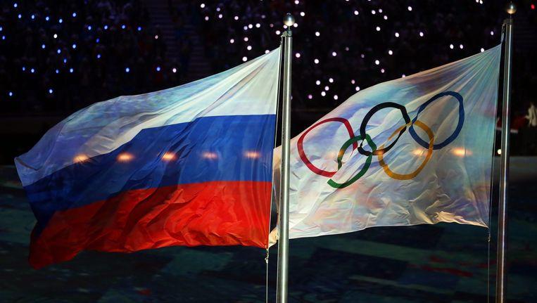 Russische- en Olympische vlag Beeld epa