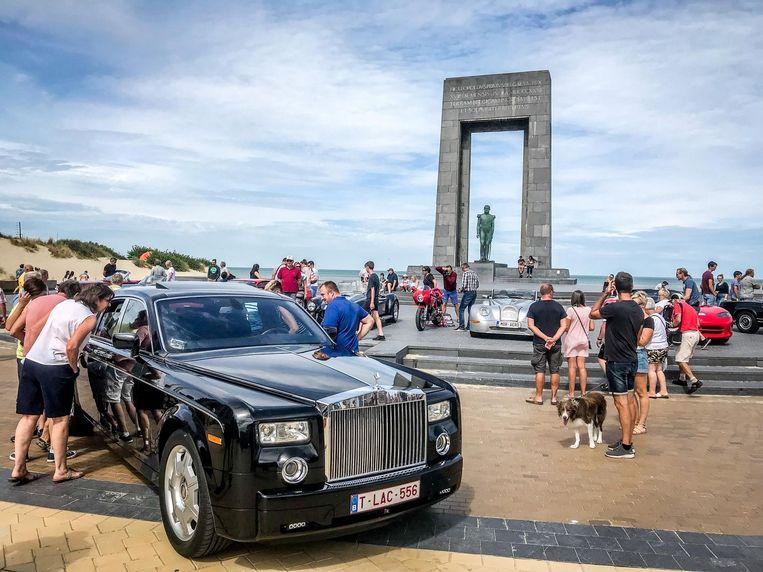 Even binnenkijken in het luxueuze interieur van een Rolls-Royce.