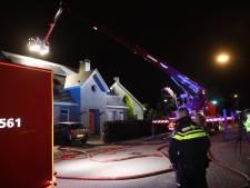 Flinke rookontwikkeling bij brand op dak woning Eerde