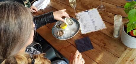 Gast vindt parel in oester in brasserie: Dit is zó gaaf