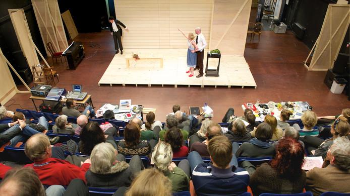 Een voorstelling in Huis Oostpool in Arnhem.