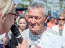 Alleskunner Cor Muller (79) geridderd in Renesse