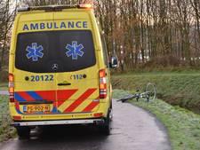Fietser gewond na harde val op gladde weg in Breda