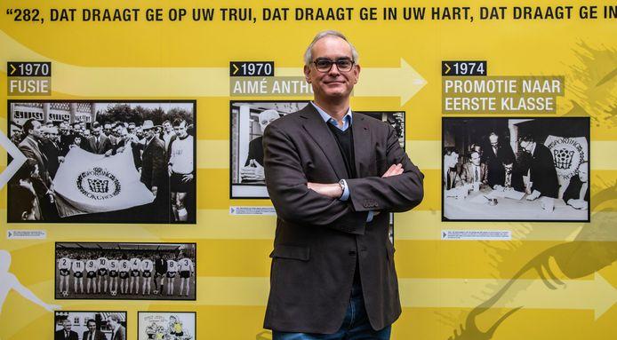 """Hans Van Duysen, voorzitter van Lokeren - Temse, hoopt op een sneller vaccinatie: We moeten zo snel mogelijk  terug naar het normale leven terug, vaccinatie is daarbij een heel krachtig wapen."""""""