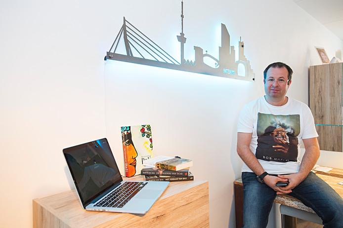 De Waalwijkse schrijver Martyn van Beek bracht eerder al drie thrillers uit.