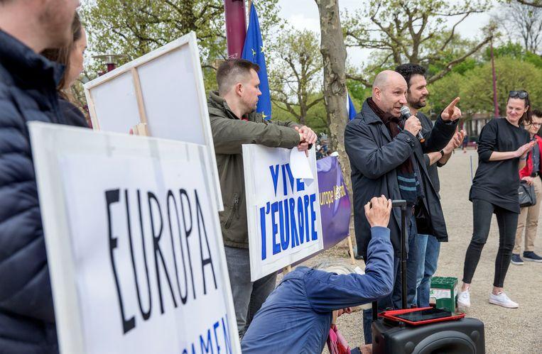 Het Pulse of Europe-protest op het Museumplein, afgelopen zondag.  Beeld Jean-Pierre Jans