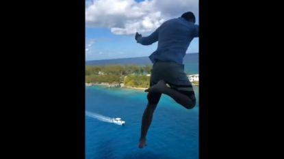 VIDEO. Amerikaan (27) springt voor de lol van 11de verdieping van grootste passagiersschip ter wereld