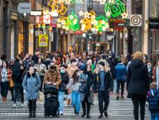 Gemeente Amsterdam roept opnieuw op niet naar binnenstad te gaan