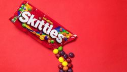 Paniek op Twitter nu blijkt dat alle Skittles-snoepjes hetzelfde smaken