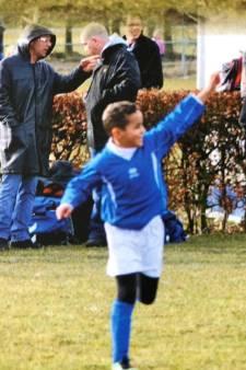 De kleine Mohamed Ihattaren als speler van SV Houten: 'Echte moederliefde, echt plezier'