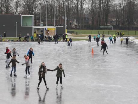 Weer extra ijsbanen open, dit keer in Zieuwent, Steenderen en Varsseveld