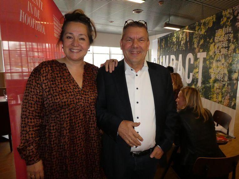 Monique Mulder (Dutch Cuisine): 'Vroeger dacht men bij de Nederlandse keuken aan prakken, maar dat is allang niet meer.' Met voorzitter Ferdie Olde Bijvank. Beeld Hans van der Beek